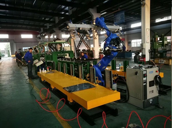 Robot full servo intelligent automatic line(Suitable for  one-stop production of a variety of materials.)