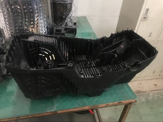 Injection molding plastic products1